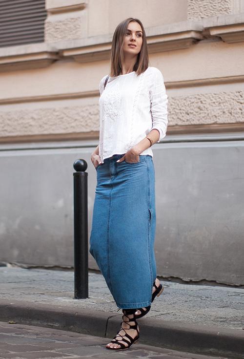 outfit falda vaquera verano