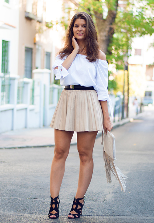 look con mini falda