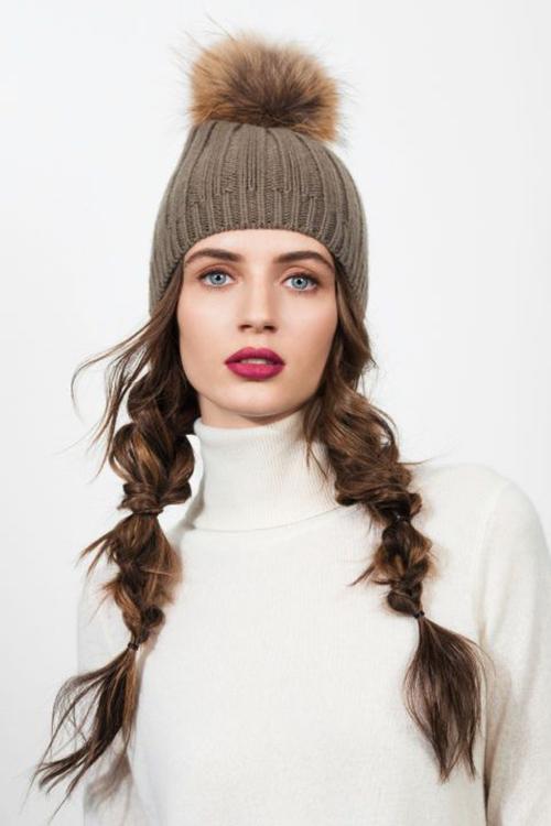 chicas con gorra