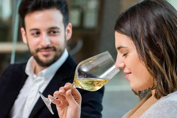cómo se hace una cata de vinos