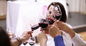 vestirse para una cata de vinos