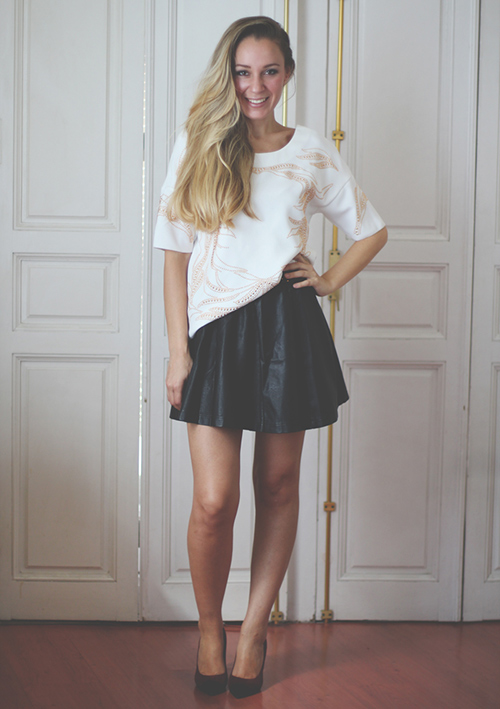 outfit minifalda negra