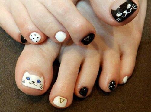 cat nail decoration
