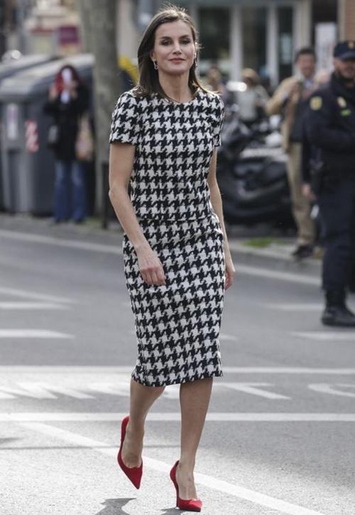 outfits reina letizia