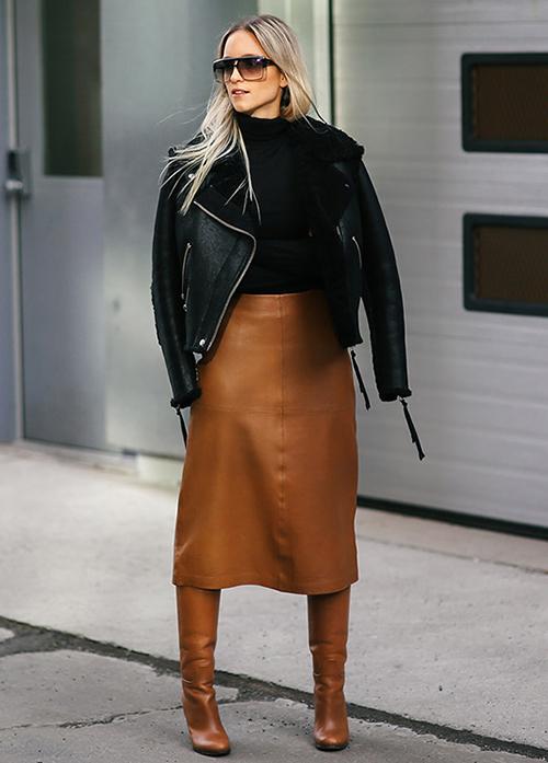 cómo usar una falda midi