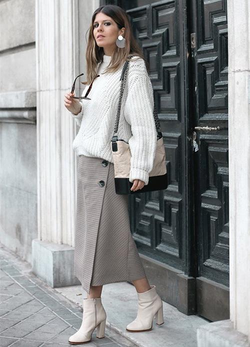 combinar una falda midi en invierno