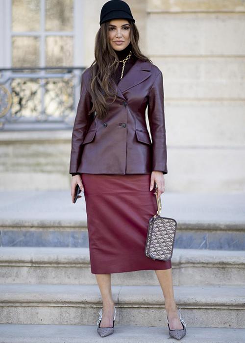 combinar falda roja
