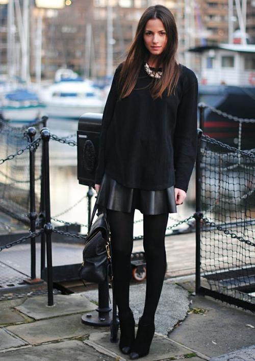 look falda cuero negra