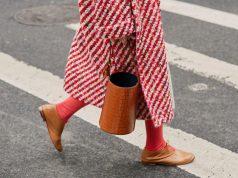 combinar zapatos marrones mujer