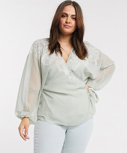 blusas con mucho escote