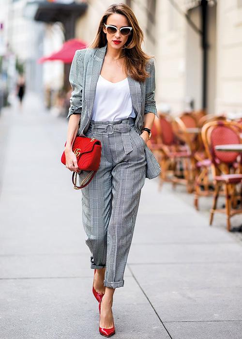 zapatos para traje gris claro