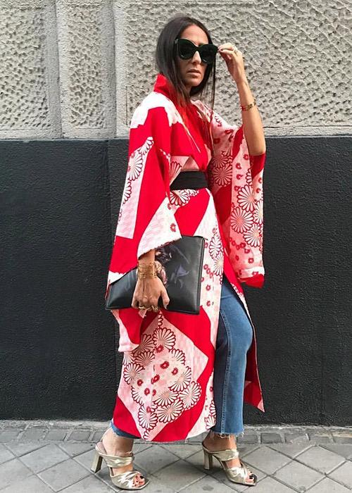 kimono negro mujer