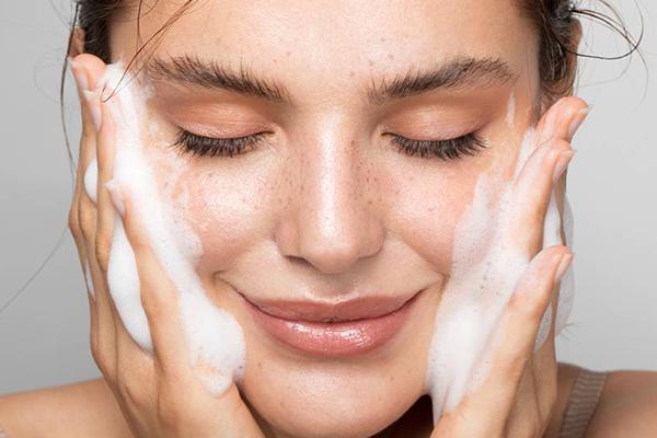 limpieza facial fácil y rápida
