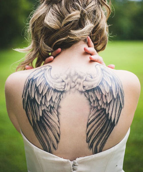 tatuajes de espalda para mujeres